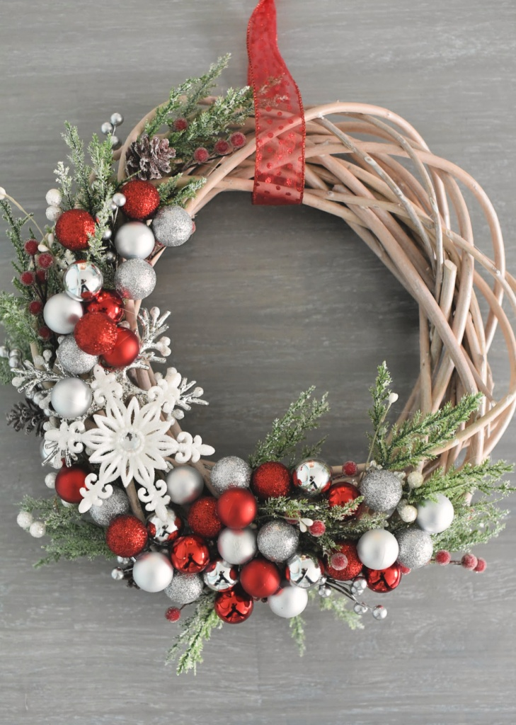 5 DIY Christmas Crafts for the Whole Family | Andrew J ...